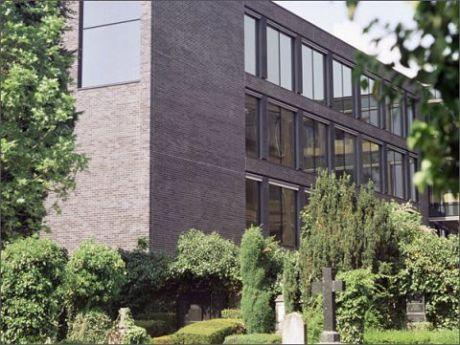 Melzer und Co GmbH (Mauerwerkskonsole)